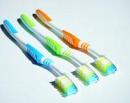 מה חשוב לבדוק לפני שקונים מברשת שיניים?